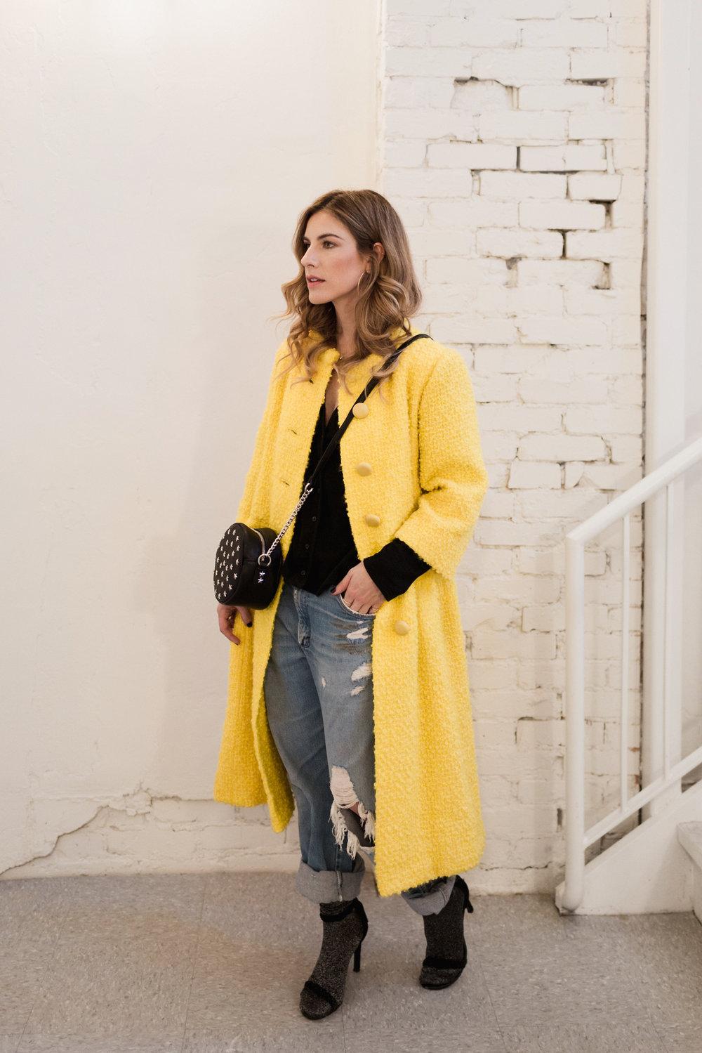 Eldridge Edit_Anna_E_Cottrell_Fashion_Blogger_Yellow_Vintage_Coat_Wrangler_Boyfriend_Jeans_Spring_Trend_2017_Star_Crossbody_Bag_Socks_with_Heels_Trend_MGB_Photo_3.jpg