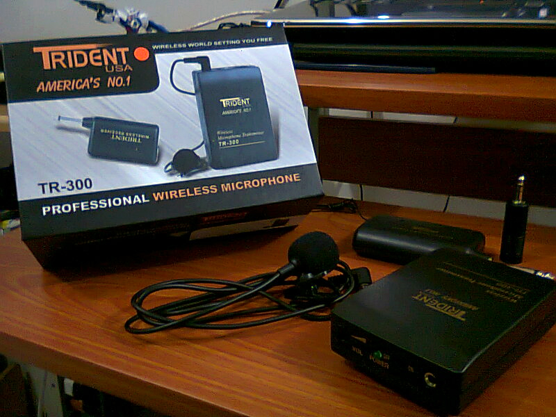 Trident-TR-300-Professional-Wireless-Microphone.jpg