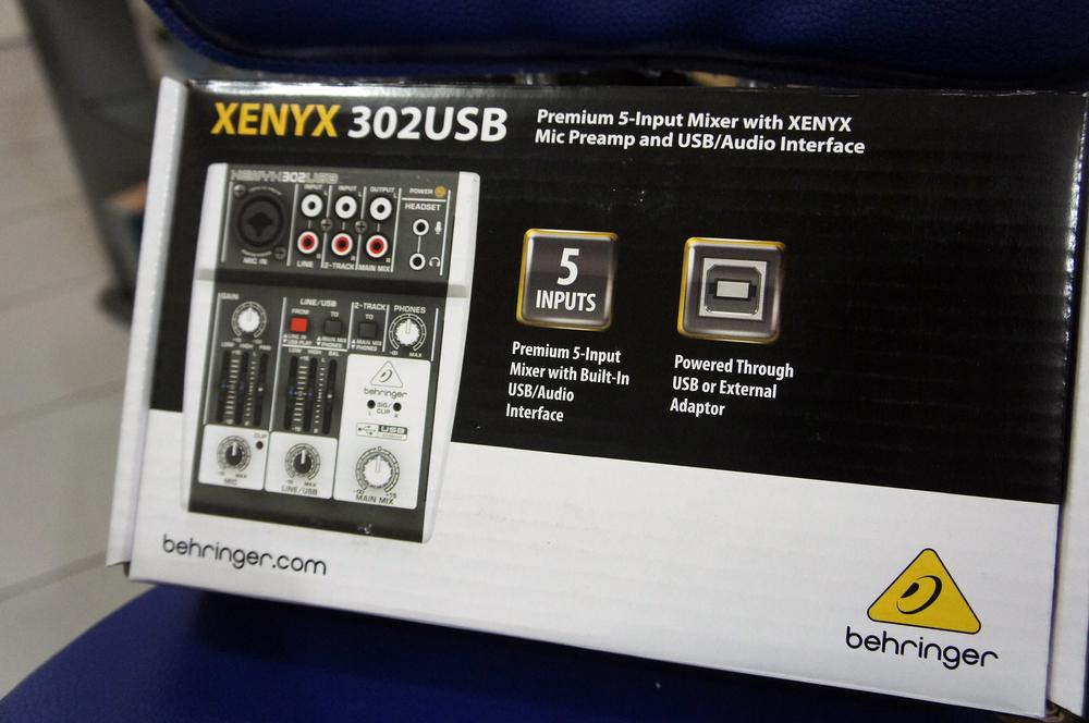 Xenyx-Audio-Mixer-02.jpg