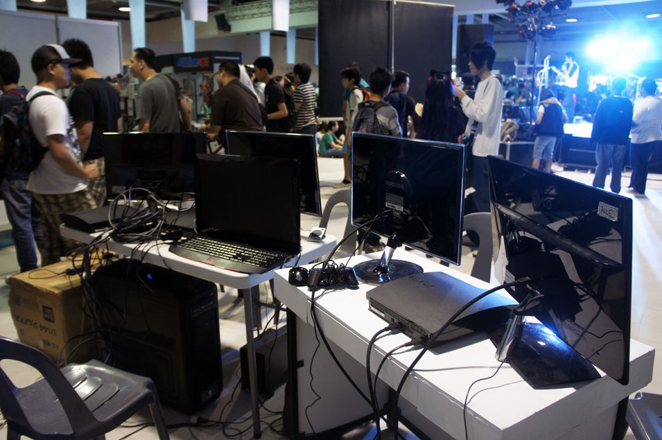 Otaku-Expo-2013-Hotseat-01.jpg