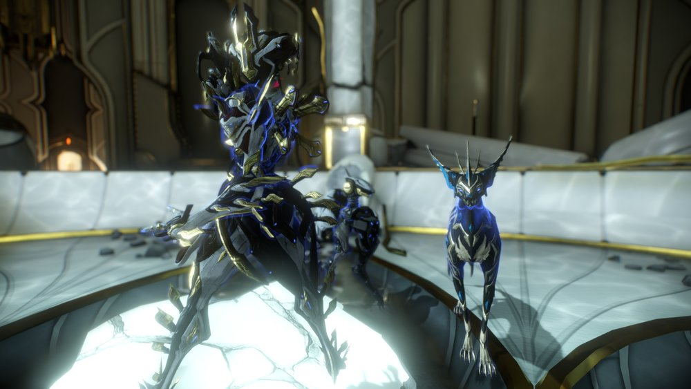 Chains and whips excite me (My Khora and her Hystrix pistol, with Venari, and MOA-NA).