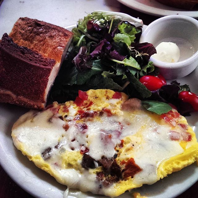 #urth #cafe #brunch #omlette #food