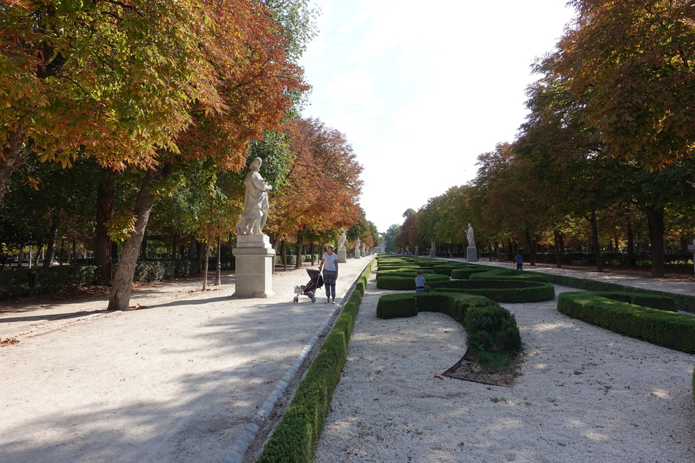 Our first trip to Retiro, Madrid's crown jewel (maybe I made that up, but I think it's true).