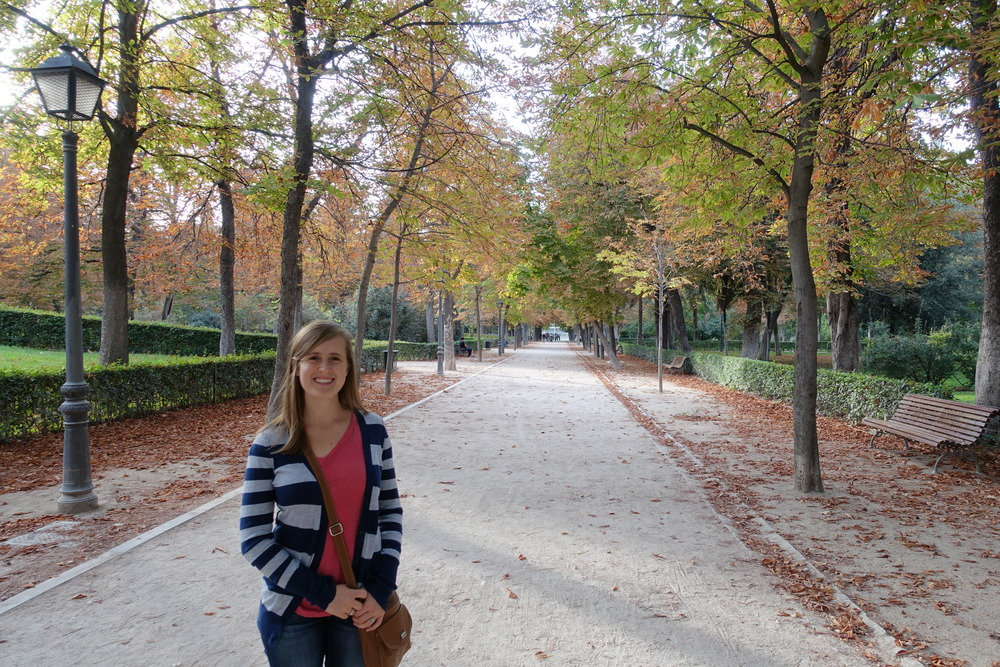 We went back to Retiro yesterday, and it's beginning to look - and feel - more like fall!  The weather is indicating so, too!  It seems the days of 80's are behind us, but don't worry, it's still beautiful (in the 70's) here.