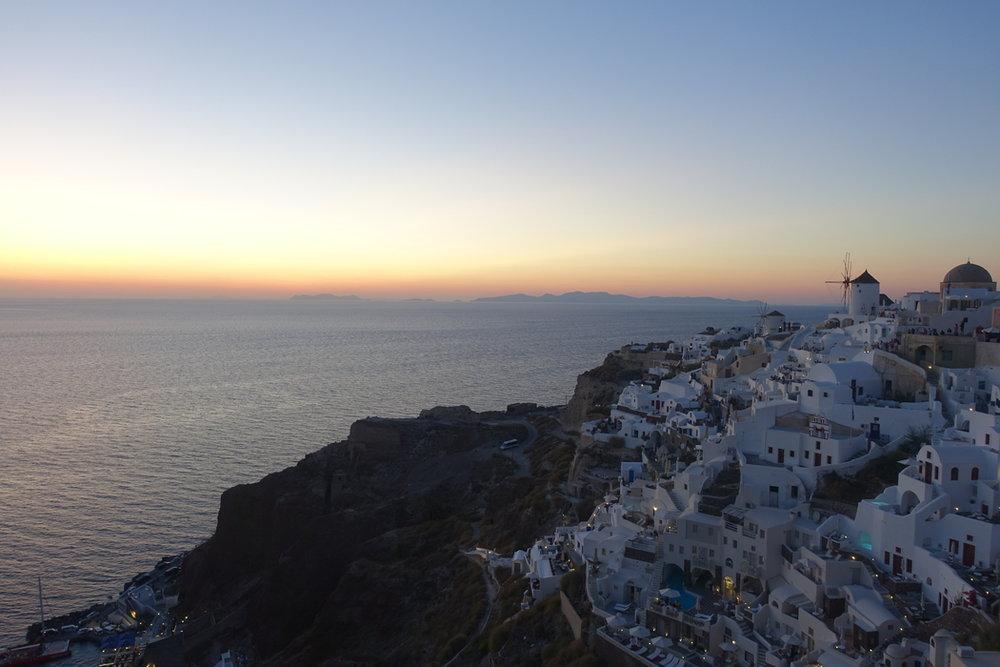 Santorini Sunset 22.jpg