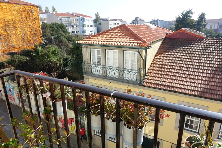 Porto Airbnb 1.jpg