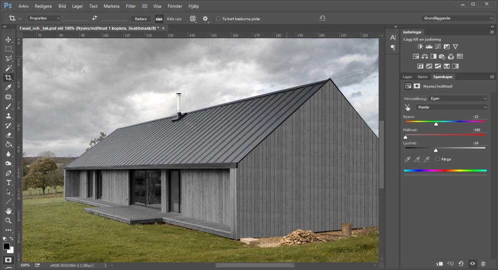 Ungefär så här grå kommer fasaden vara efter några år och då kommer det grafitgrå taket, dörrarna och fönstren matcha fint.