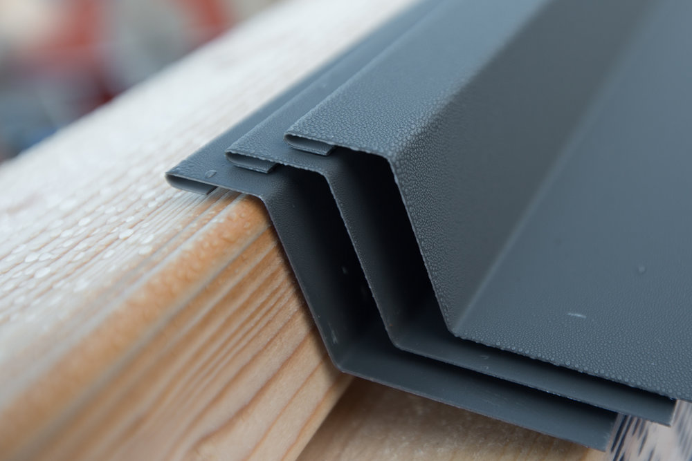 Midjebleck i grafitgrått (RAL 7024), precis som fönster, dörrar, tak, vattenavrinning och andra exteriöra detaljer.