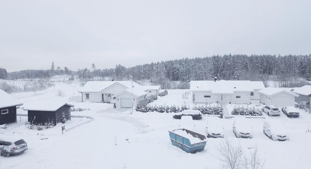 Villaområdet Stensborg ligger bara 3 km från centrum, men ändå precis i utkant av tätorten Nyköping. Här utsikten från taket.