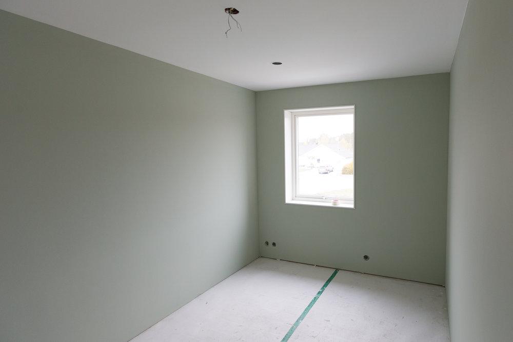 Auro Ärggrön  i Mions rum.