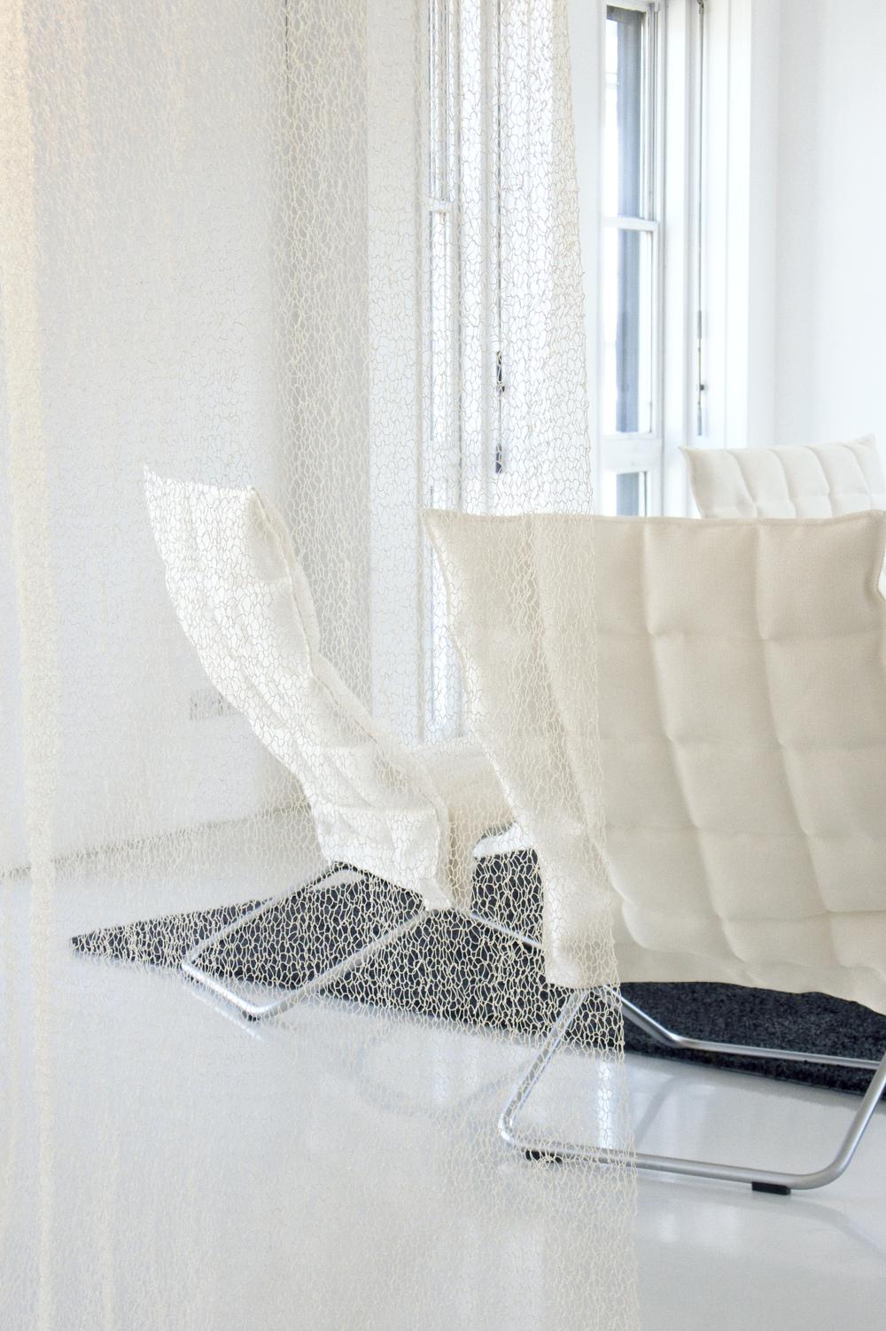 7210101 VEIL white room divider