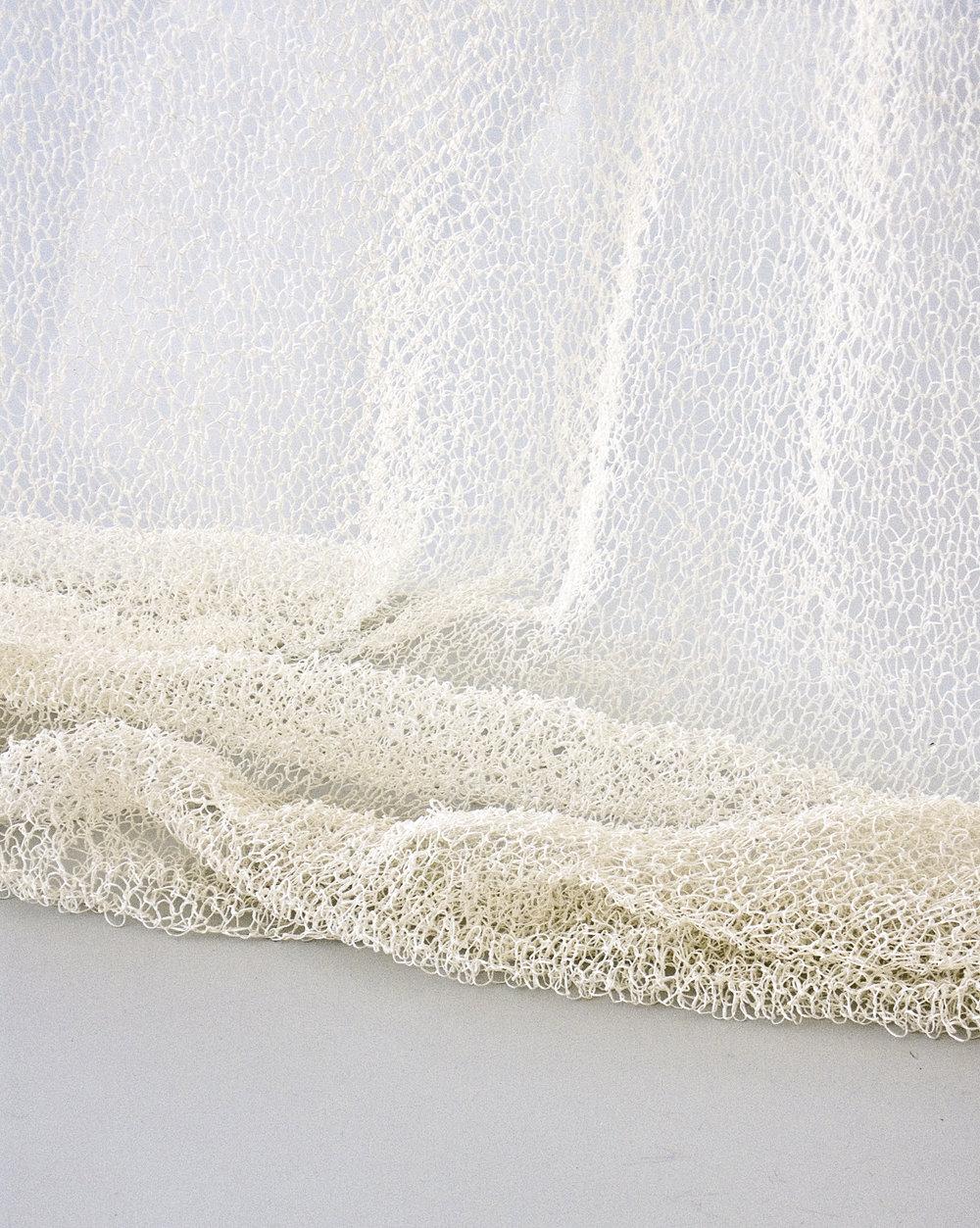 7210101 VEIL white