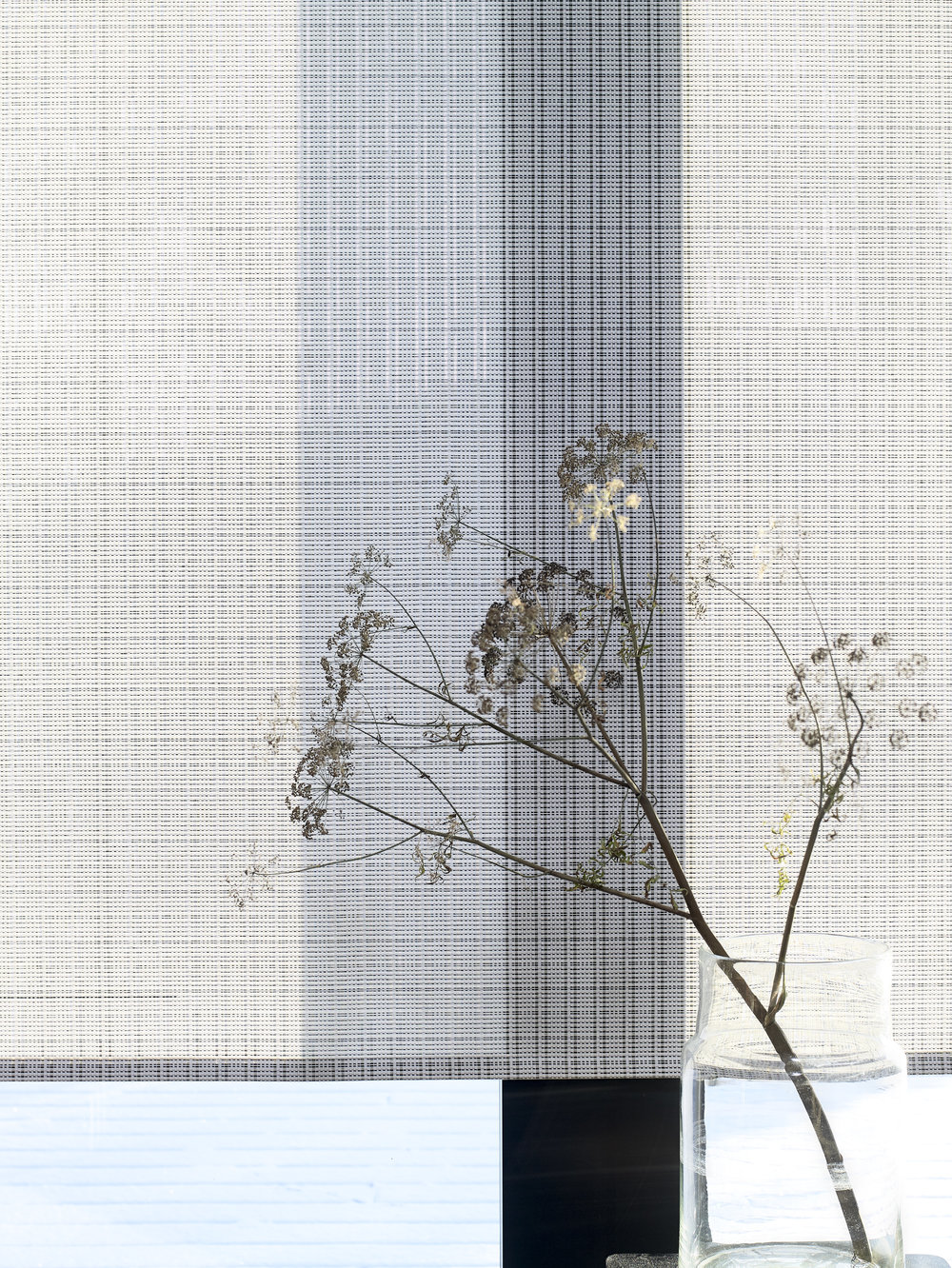 Roller blind with chain / Cloud fabric 2140915 black-stone