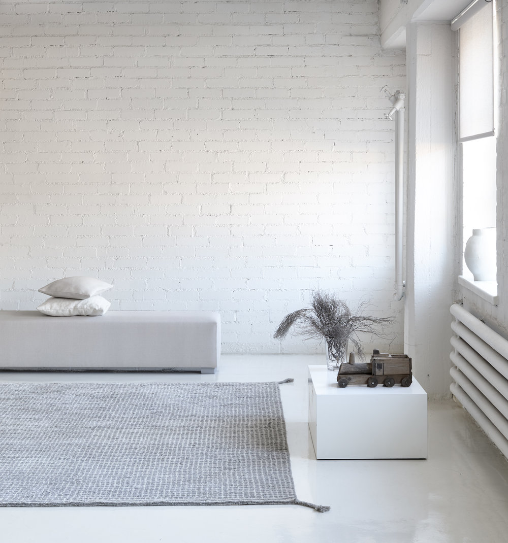 Grid  hand knotted wool carpet col. white-light grey.