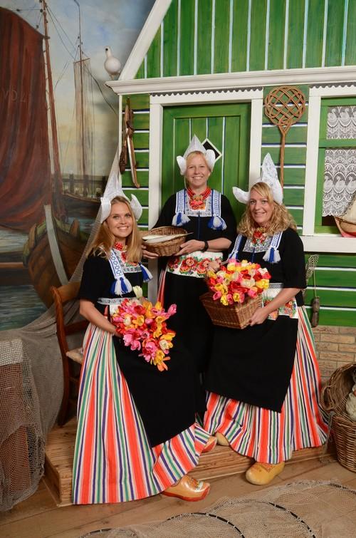 Super Volendam klederdracht foto | Familie en vrienden — Fotograaf Zwarthoed LI83