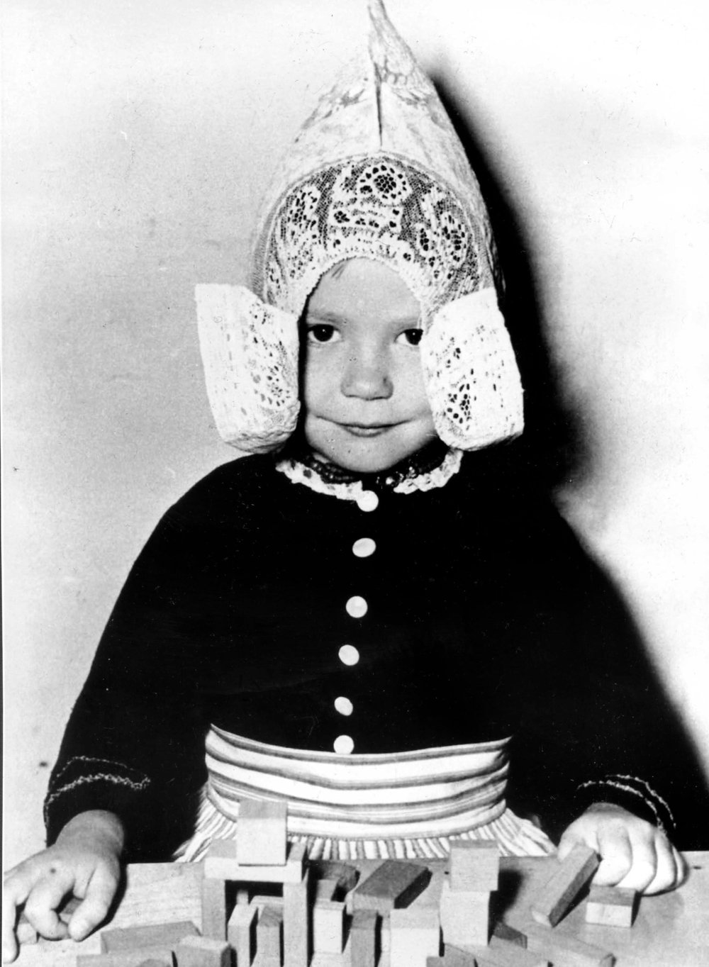 Kind klederdracht.jpg