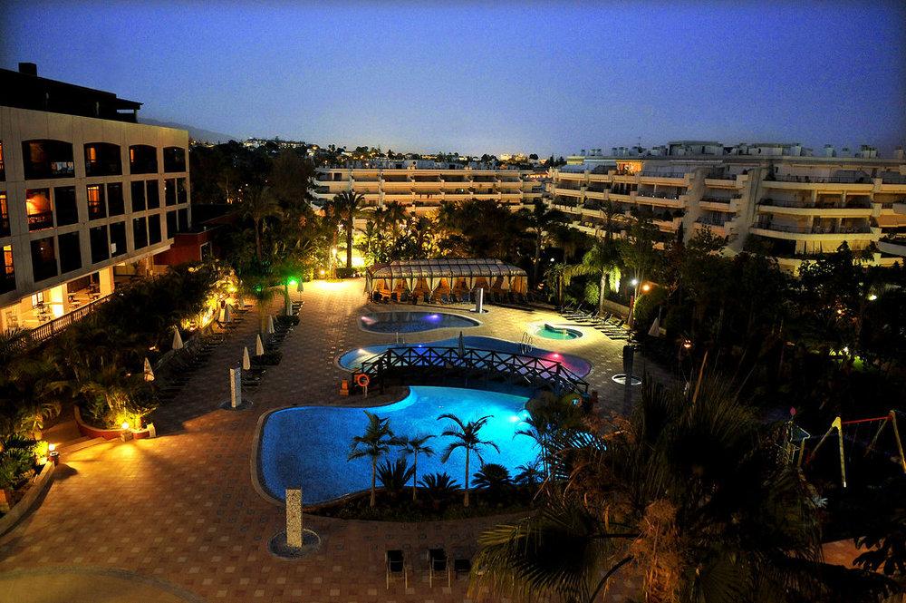 cimentrasa-piscina-hotel.jpg