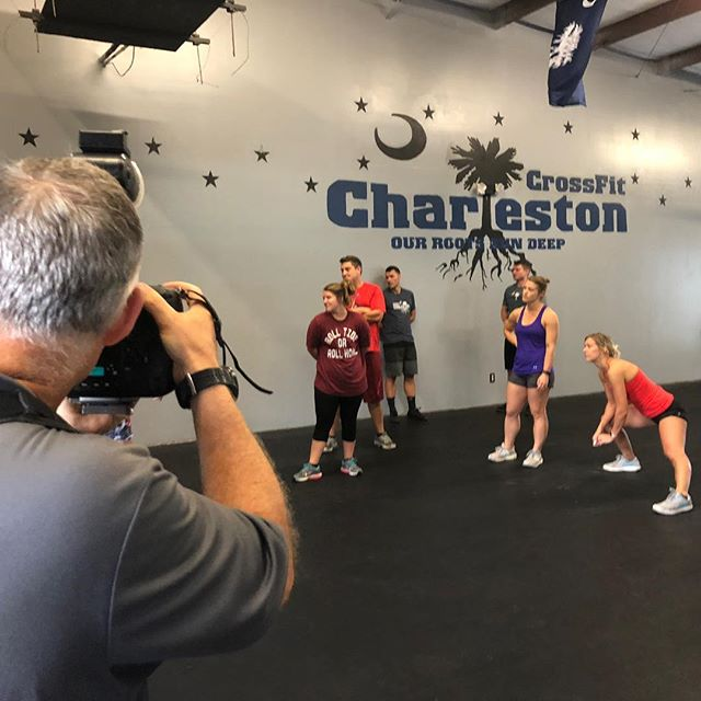 Awesome Saturday #WOD combined with a photo shoot with @chrisandcami ... Here are a few behind-the-scenes snaps! Can't wait to share the final photos! 📷 . . #crossfit #crossfitcharleston #saturdaywod #partnerwod #photoshoot #swole