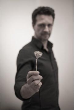 Portrait par Lou Elboud.