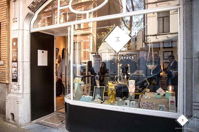 On est ouvert ! #rom3 #artbrussels #exhibition #exposition #expo #artist #brussels #bruxelles #saintgilles #conceptstore #shopping #artshop #artshopping