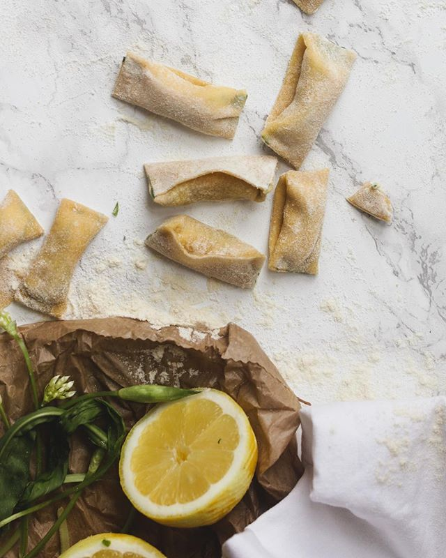 Trying and semi-failing at my agnolotti rolling 🤷🏼‍♀️ ricotta, wild garlic and lemon filling tastes great though - going into my freezer as prep for a big Italian dinner party 🌱 . . . #feedfeed @thefeedfeed #f52grams #thekitchn #f52spring #EEEEEATS #lifeandthyme #tastingtable #londoneats #huffposttaste #foodblogfeed #tastespotting #foodandwine #foodgawker @foodblogfeed #agnolotti @