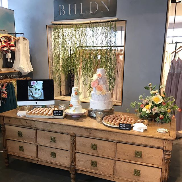 Excited to be @anthropologie meeting all the @bhldn brides tonight! Come on down and meet  me, @chanceycharm , @amandajewelfloraldesign ,  @shelbyraephotographs , @love_louise_designs , and more!!! Going to be a beautiful night!! #atlantaweddings #everythingisbeautiful.  Thank you @victoryblooms for helping make my table perfect...your amazing!