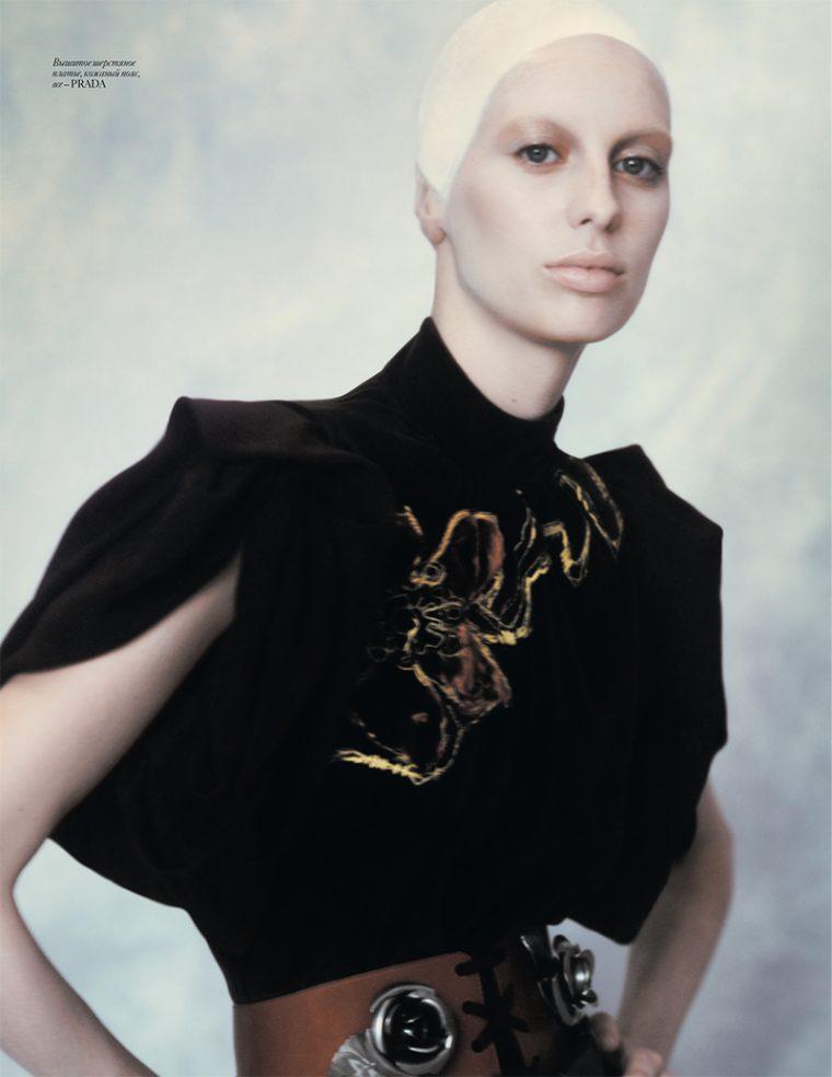 Lili-Sumner-by-Baud-Postma-for-Vogue-Ukraine-September-2016-4-760x984.jpg