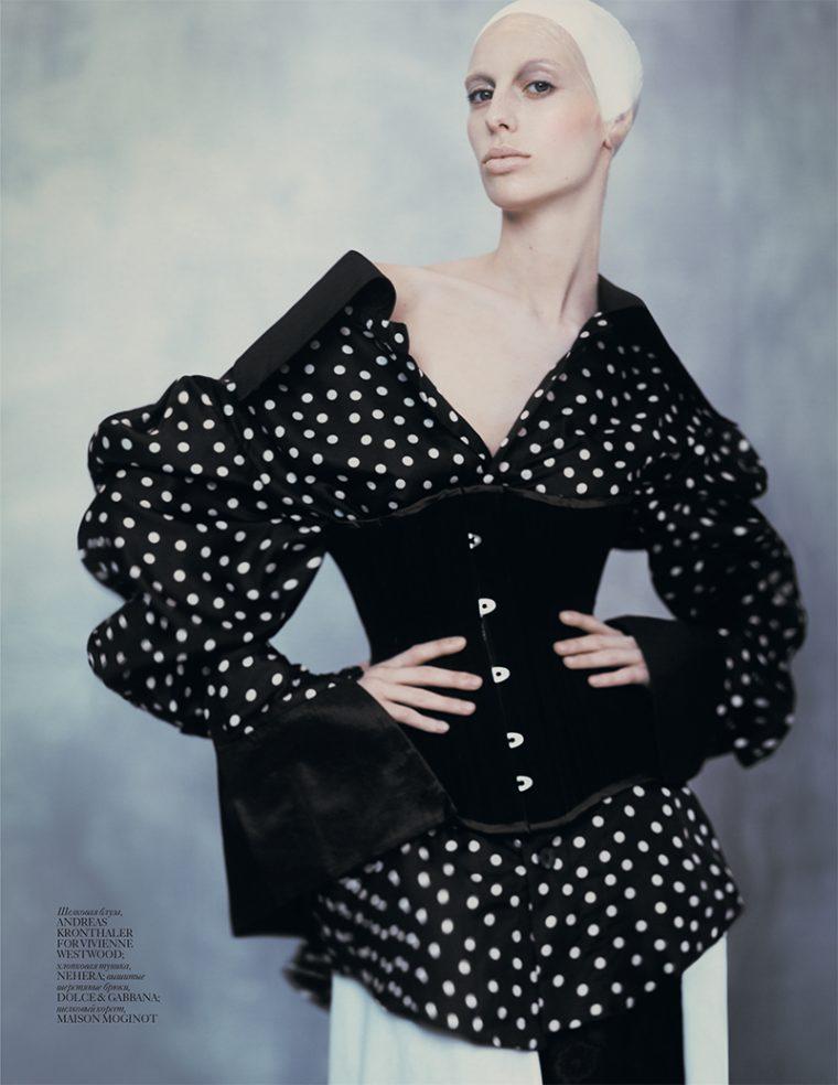 Lili-Sumner-by-Baud-Postma-for-Vogue-Ukraine-September-2016-7-760x984.jpg