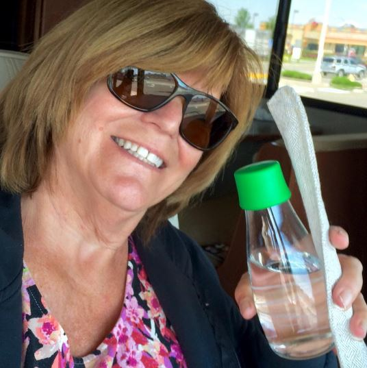@Strawsleevs from Instagram #waterbottleselfie