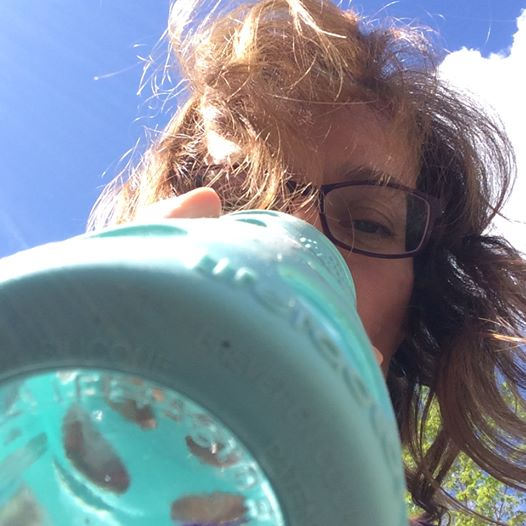 Rhonda making a #WaterBottleSelfie beak.