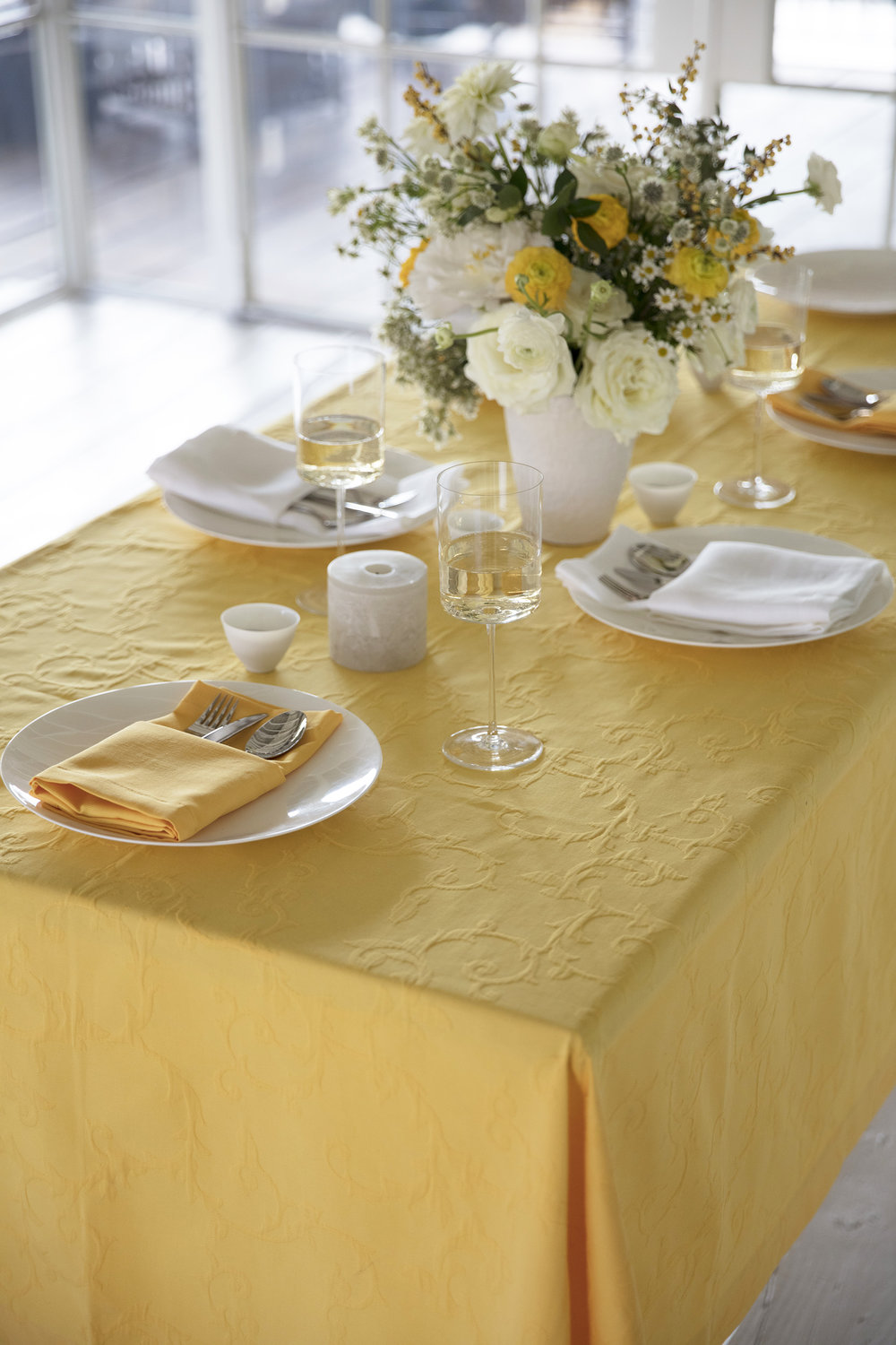 Miami yellow tablecloth_0G3A6823.jpg