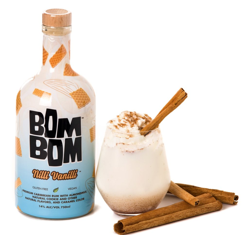 BOM BOM HOLIDAY Drinks Skinny Egg Nog Delite with Nilli Vanilli and Cinnamon Stick.JPG