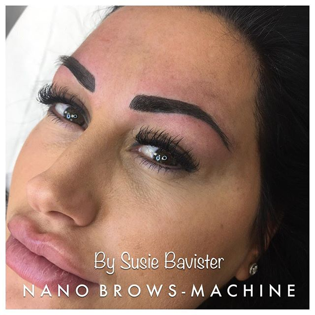 #browsonfleek #semipermanenttattoo #eyebows #eyebrowsonpoint