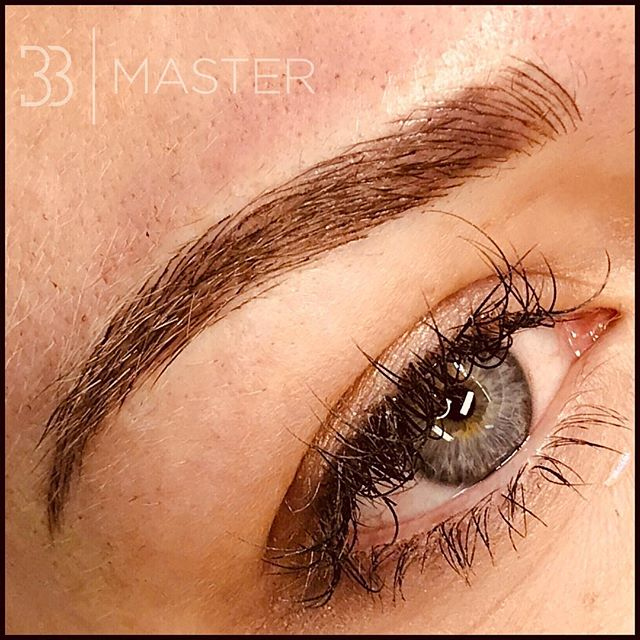 💕B E S P O K E B L A D I N G💕 💕N A N O B L A D I N G💕 The finest, most natural brows! Using a flexible fine blade we can create the perfect most realistic hairstrokes. COST £200 (if you require a top up around 6 weeks later this will be charged at £50) Please contact us to book in 0800 471 4946.  #eyebrows #eyebrowsonpoint #semipermanenttattoo #semipermanentmakeup #bespokeblading #microblading #nanoblading #creativebeauty #permanentmakeup #permanenteyebrows #pmu #spmu