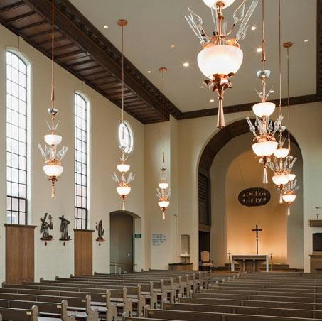 St. Thomas More Chapel 268 Park Street (203) 777-5537