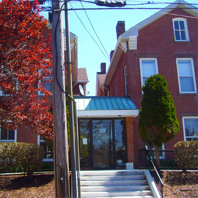 <b>New Haven Ophthalmology <br>Associates</b><br>23 Beers Street<br>(203) 562-9441