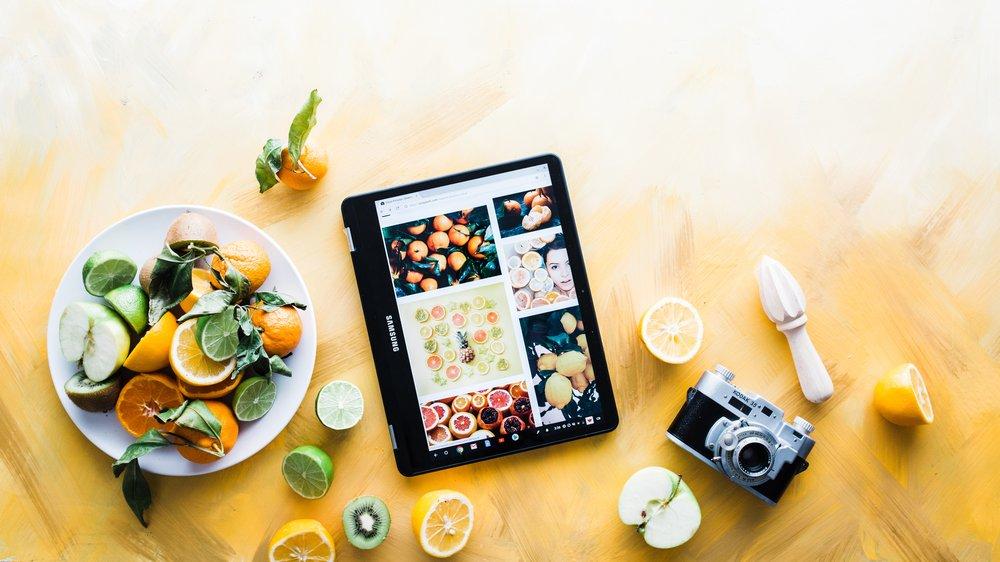 foodandlaptopbrooke-lark-609905-unsplash.jpg