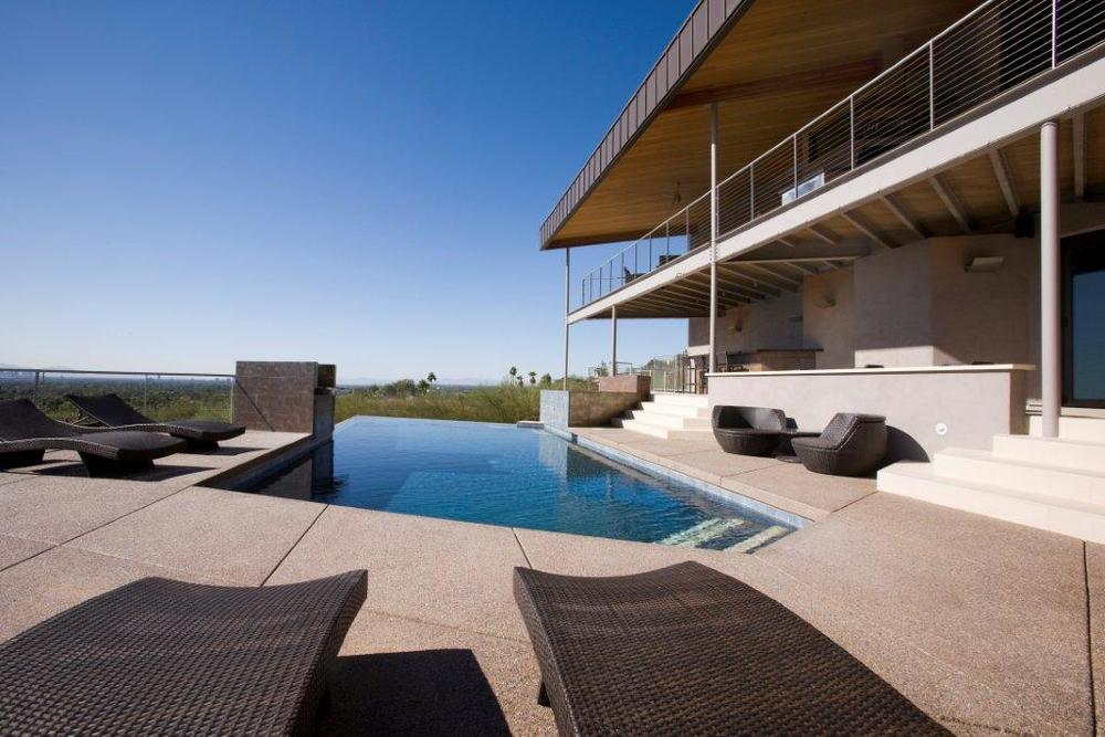Infinity edge swimming pool gallery presidential pools for Pool design az