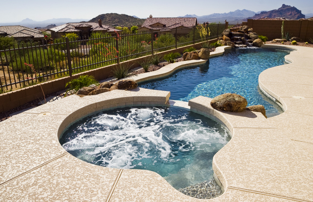 Tucson-freeform-swimming-pool