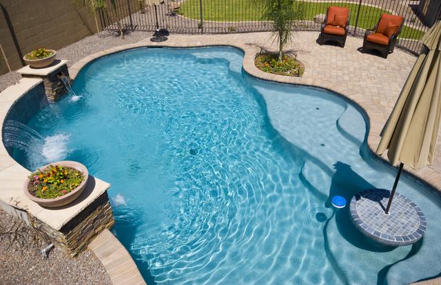 swimming-pool-planting-pocket