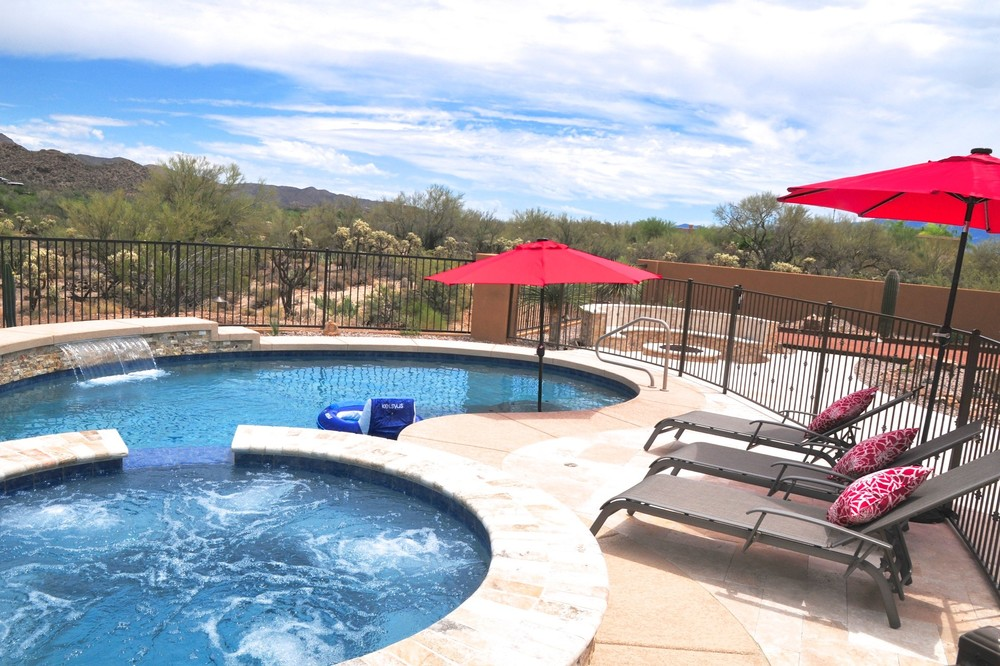 Pool build highlight the duncan family of tucson az for Pool design tucson