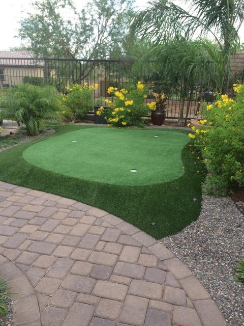 Peoria-az-putting-green-in-backyard