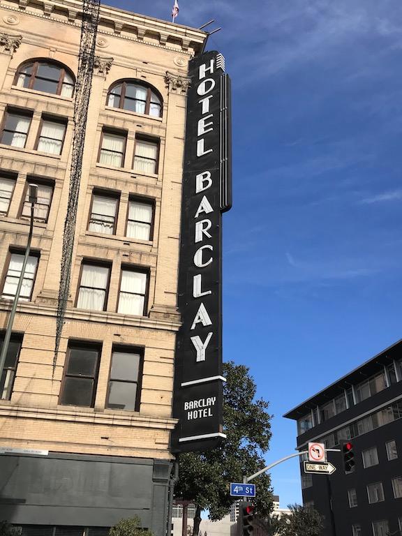 Hotel Barclay.jpg