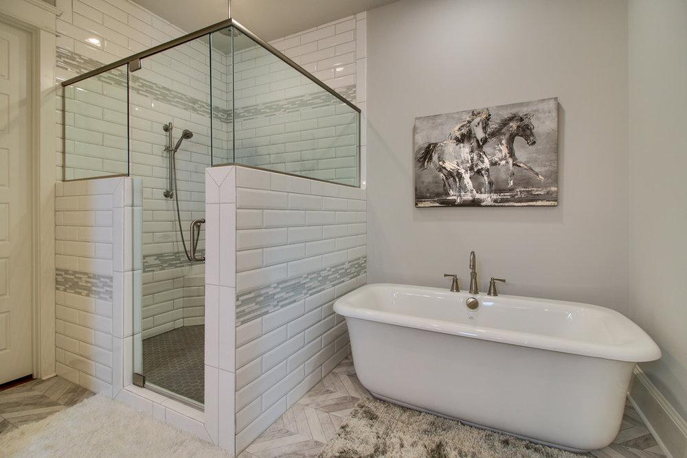House-Plans-Online-Four Square-Nashville-Peggy-Newman-Master Bath-tub-Woodmont.jpg
