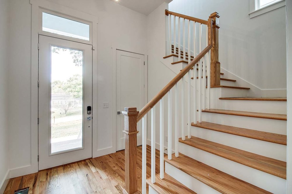 House-Plans-Online-Narrow-Nashville-Peggy-Newman-Entry-Stairs-Mailan A.jpg