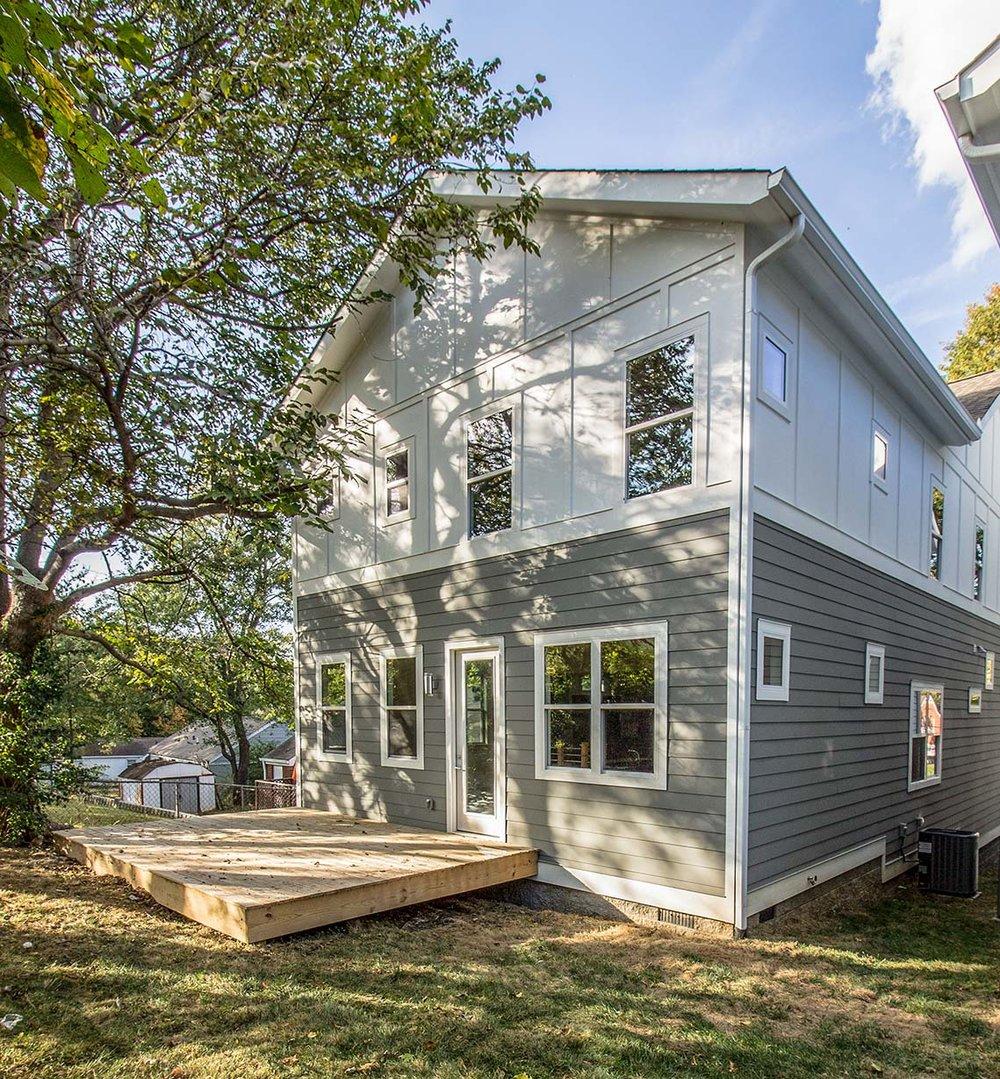 House-Plans-Online-Narrow-Nashville-Peggy-Newman-Deck-Mailan A.jpg