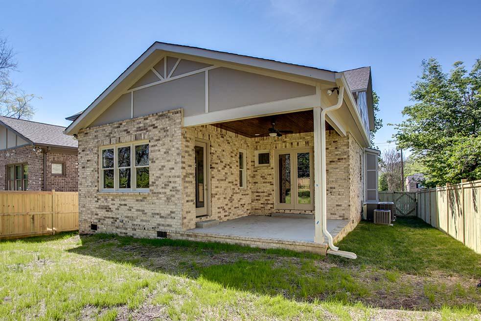 House-Plans-Online-Nashville-Peggy-Newman-Tudor-Porch-Covered-Glendale 944.jpg