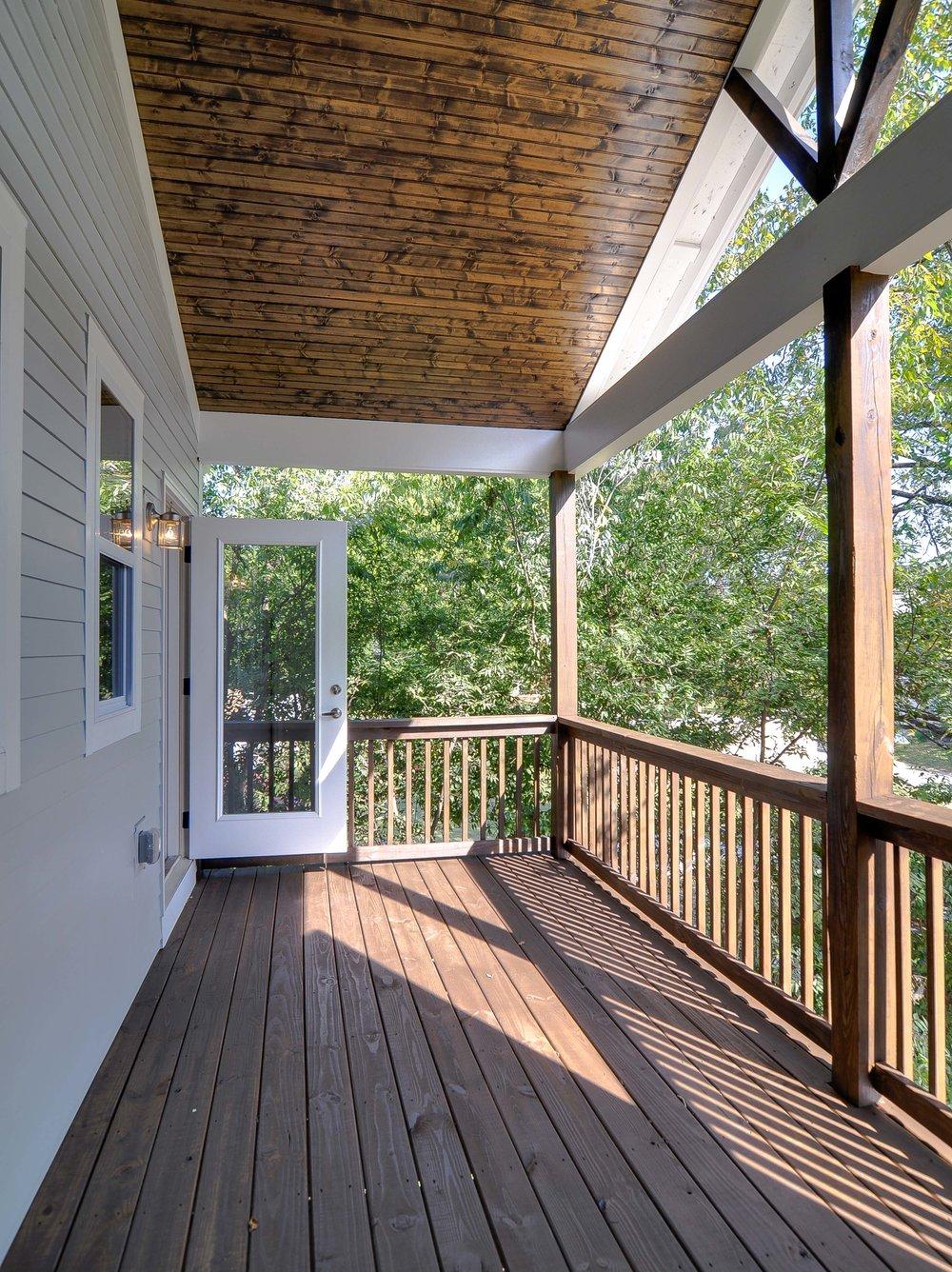 House-Plans-Online-Nashville-Narrow-Deck-Balcony-Wood Slat-Kentucky.jpg