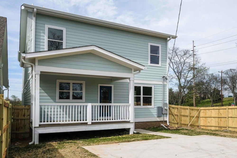 House-Plans-Online-Craftsman-Nashville-Peggy-Newman-Goff-Large-Porch-Back.jpg