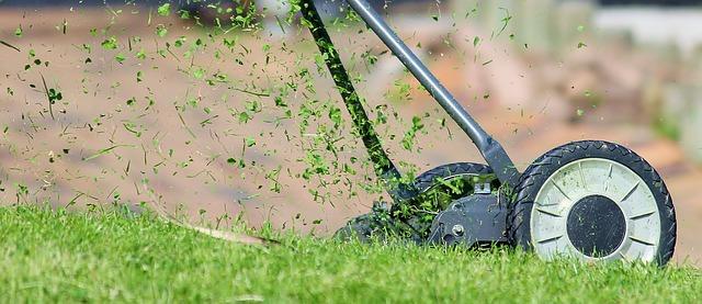 lawn-mower-938555_640.jpg